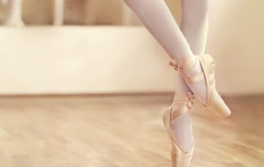 バレエ筋肉の使い方を間違えると脚が太くなる?正しい使い方について