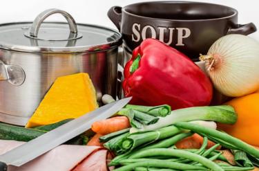 下半身の冷えを改善する食事とは?